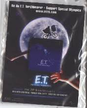E.T. The Extra-Terrestrial: 1 1/8'' Special Olympics Torchbearer pin