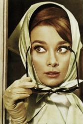 Audrey Hepburn poster: Gloves and Glasses (24 X 36)