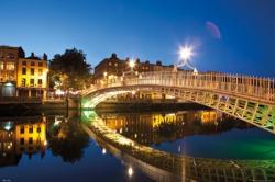 Dublin Halfpenny Bridge poster (36x24) Dublin, Ireland