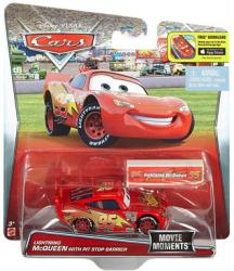 Cars [Movie Moments] Lightning McQueen with Pit Stop Barrier (Mattel)