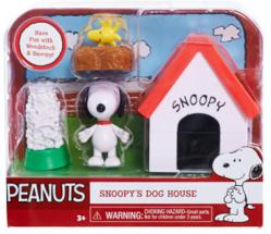 Peanuts: Snoopy's Dog House figure set (Just Play/2015)