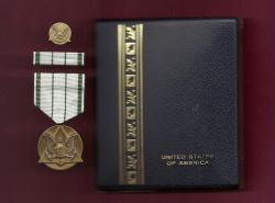 Army's Commanders Award medal for Public Service cased set with ribbon bar and pin