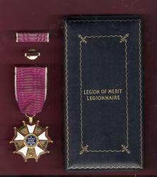 WWII Legion of Merit medal in case with ribbon bar and lapel pin LOM