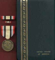 US Iraq Campaign medal in case with ribbon bar and lapel pin