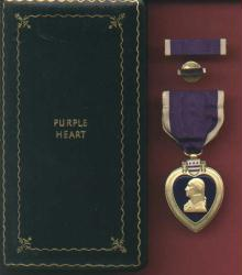 Genuine Vintage WWII Purple Heart Military Award medal in case box with ribbon bar and lapel pin