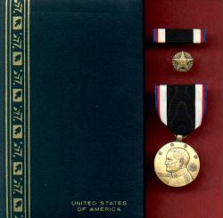 WWI Army of Occupation Service Award Medal in Case with ribbon bar and lapel pin