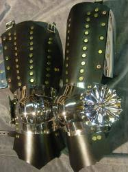 Rondell Splinted Legs with Maltese Cross Piercework